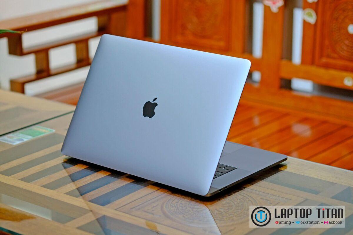 Macbook Pro Touchbar 15 inch laptoptitan 09
