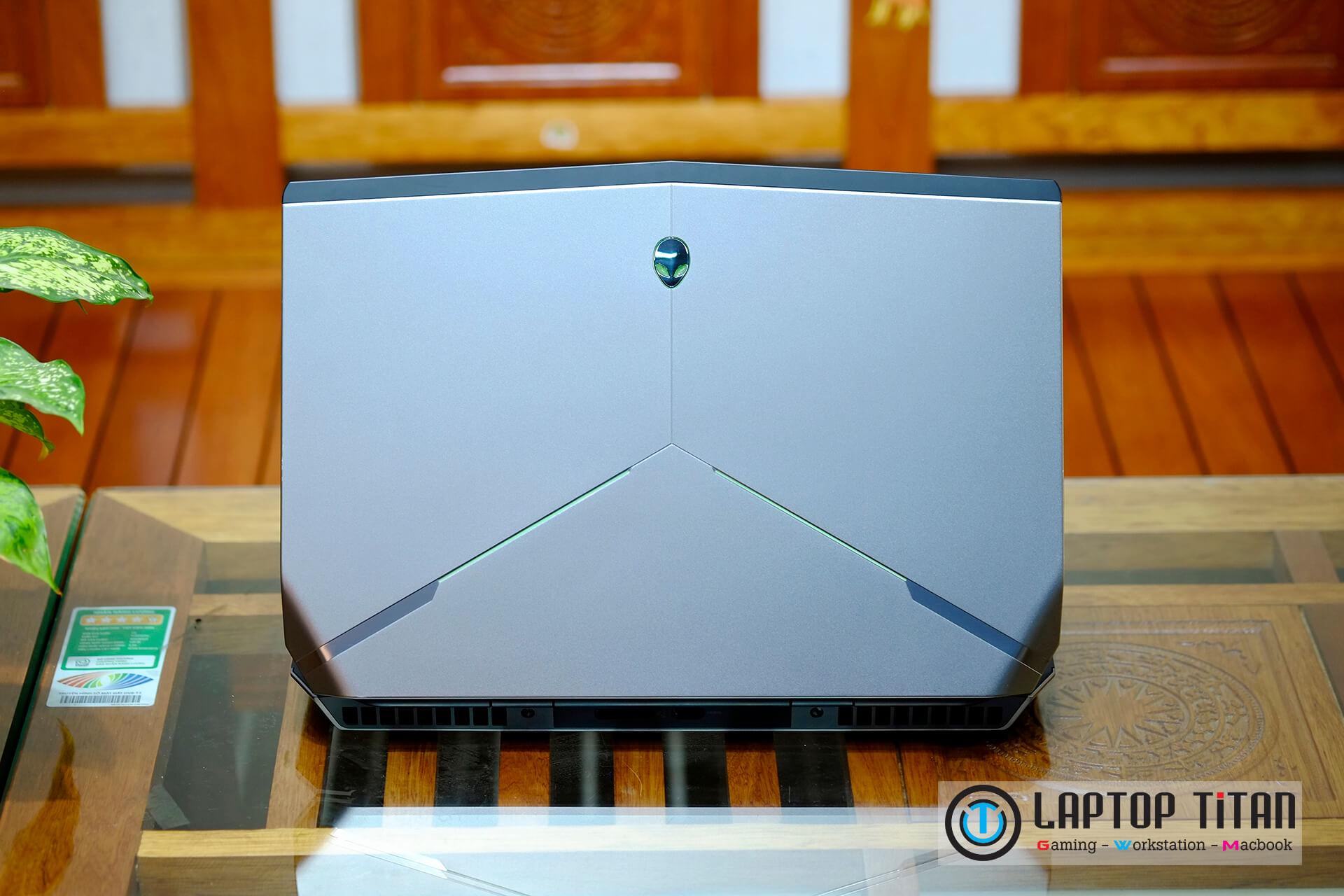Dell-Alienware-15-R2-5