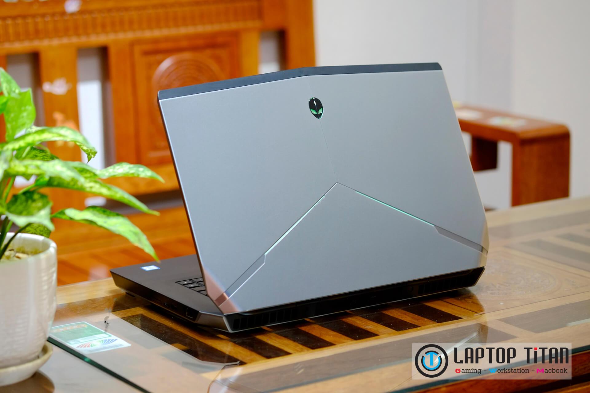 Dell-Alienware-15-R2-6