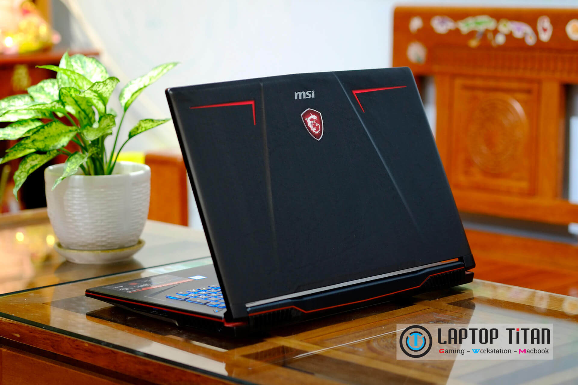 Msi GP73 LaptopTitan 010