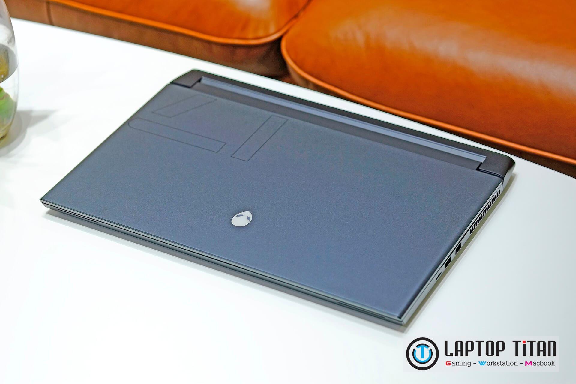 Dell Alienware M17 R4 Core i7 10870H / 16GB / 1TB / RTX 3070 8GB / 17.3 inch FHD 144Hz